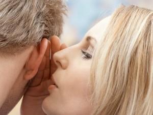 Secretos y mentiras al oido